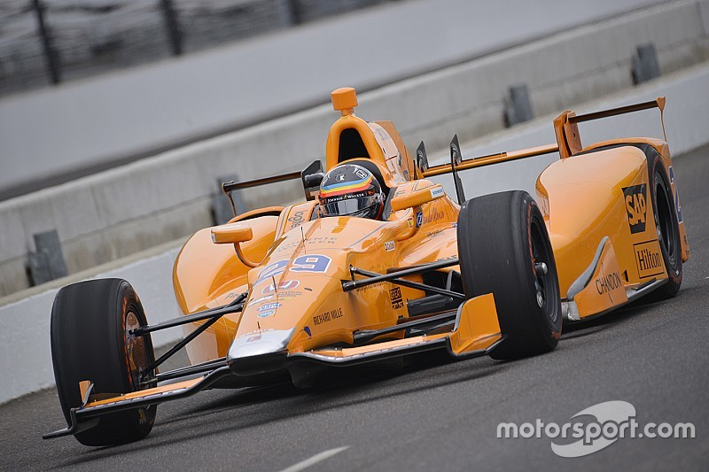 "Franchitti ""amazed"" by Alonso's performance in Indy test"