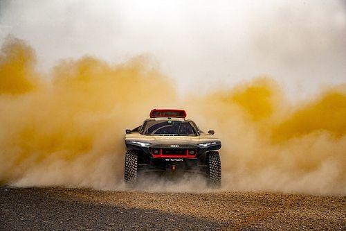 Audi souffre dans la chaleur pour préparer le Dakar