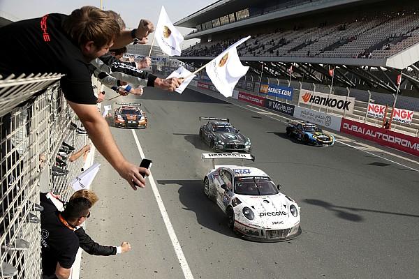 24 години Дубаї: Хартлі перемагає, Herberth Porsche домінує