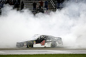 NASCAR Cup Breaking news Harvick leads veteran charge at Atlanta Motor Speedway