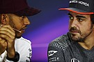 Hamilton espera repetir en 2018 muchos duelos con Alonso como en México