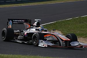Super Formula Отчет о гонке Ишиура выиграл гонку Суперформулы в Фудзи, Лоттерер третий