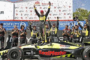 IndyCar 速報ニュース まさかの結末。ブルデー2年連続大逆転優勝。琢磨は貰い事故で12位