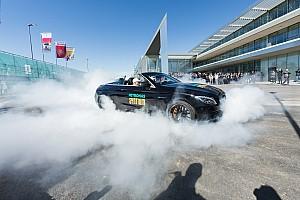 Képekben a Mercedes F1-es eseménye Hamiltonnal és Bottasszal