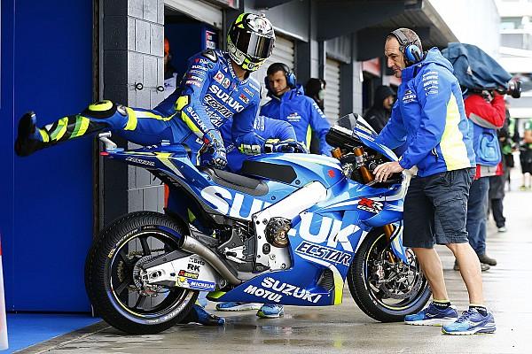 El motor de Suzuki quedará descongelado si no sube al podio