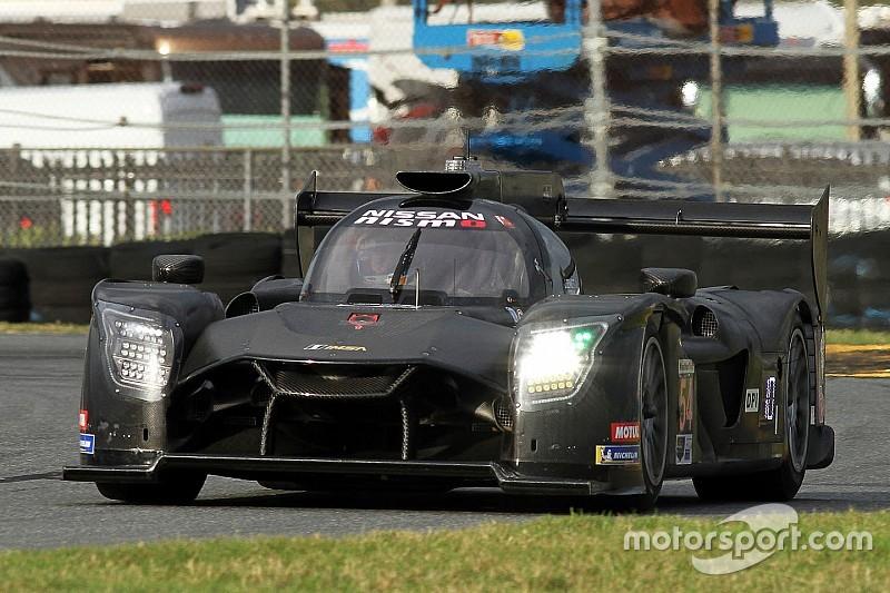 Nissan sorprende y Alonso se despide sin rodar en el último libre
