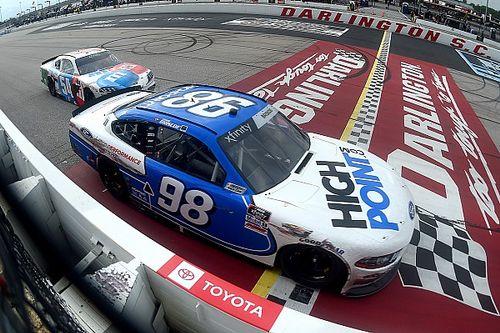 Через день после семейной трагедии он выиграл гонку. История удивительной победы в NASCAR