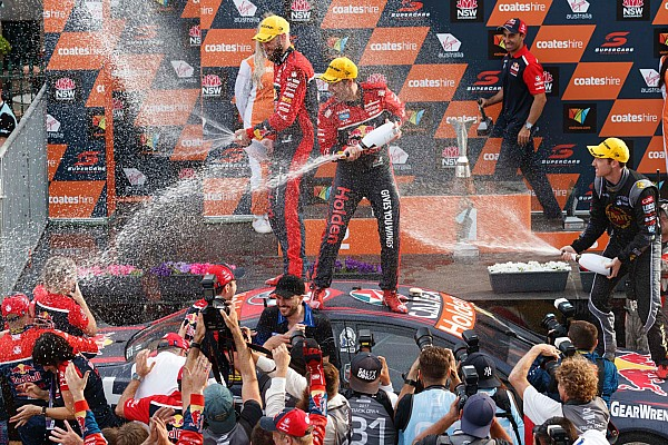 Supercars Newcastle Supercars: Whincup seals title in thrilling finale