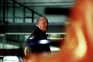 """Нову машину Ф1 McLaren """"засвітили"""" до презентації"""