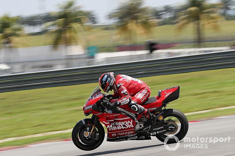 Ducati teammates cooperating like