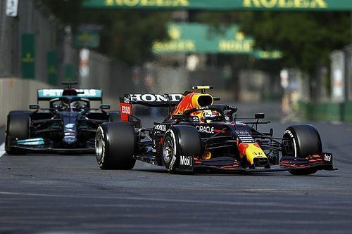 WK-stand F1 2021: Verstappen behoudt leiding na krankzinnige race