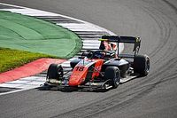 Viscaal pakt sensationele zege in F3-race op Silverstone