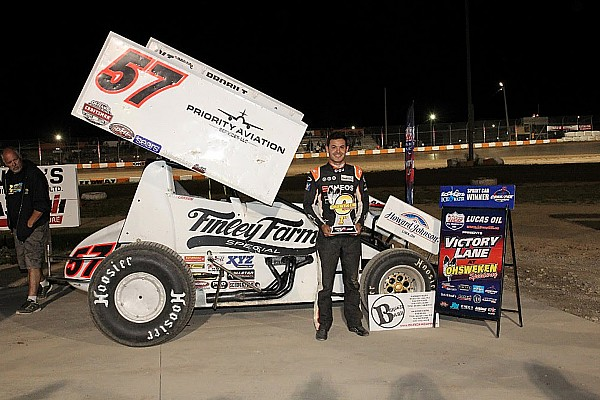 Sprint Breaking news Kyle Larson picks up sprint car win in Canada