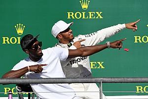 Fórmula 1 Artículo especial La historia detrás de la foto: Hamilton hace el 'Lightning Bolt'