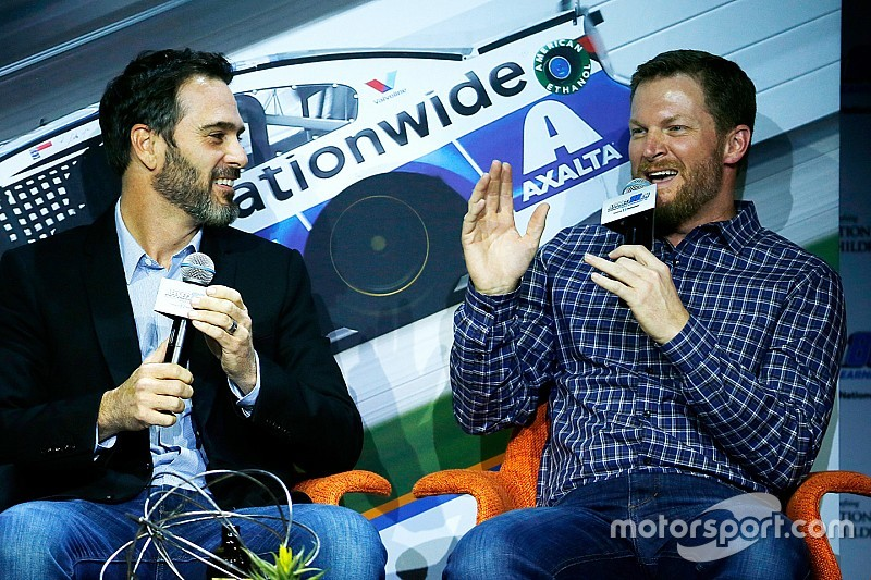 NASCAR Mailbag: Send in your questions