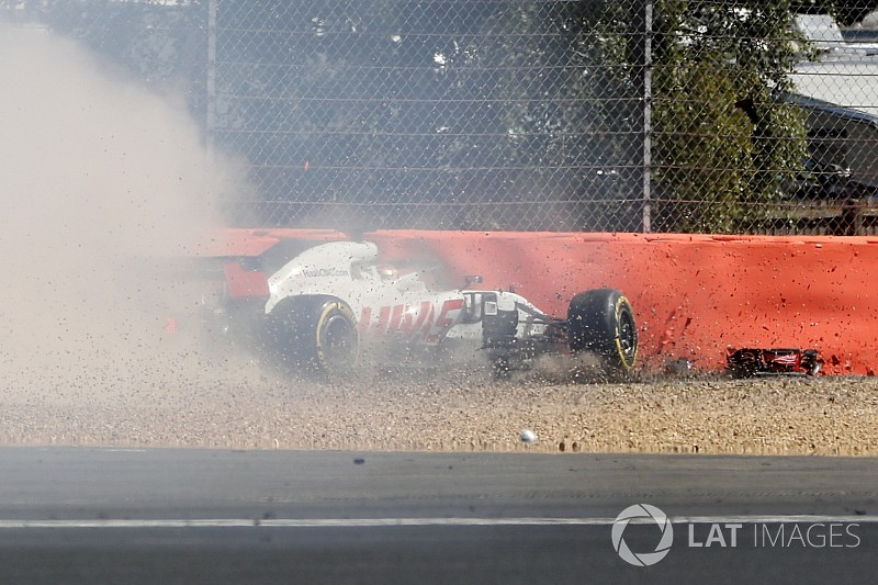 Magnussen nearly repeated Grosjean's DRS crash