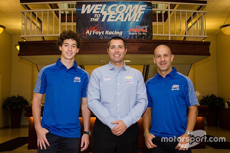 Foyt signs Leist to partner Kanaan in 2018