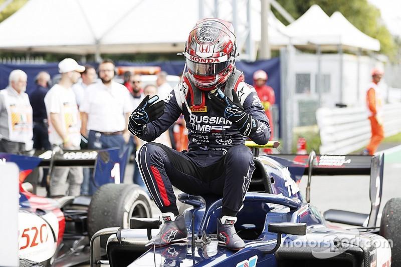 F2初優勝の牧野任祐「トップだと最終ラップに言われ、ビックリした」
