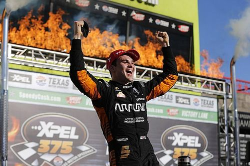 Hasil Race 2 IndyCar GP Texas: O'Ward Kalahkan Newgarden