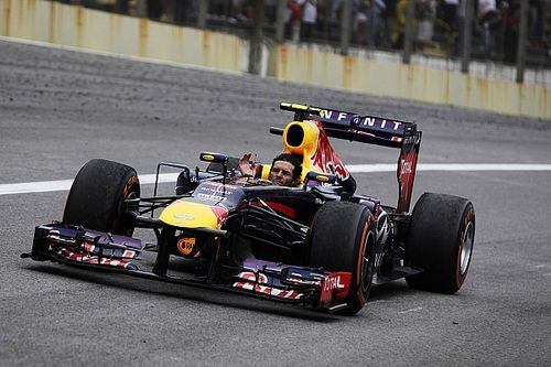Sucedió 24 de noviembre: el adiós de los motores V8 y récord de Vettel