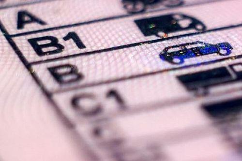 Come funziona la nuova proroga per patenti, fogli rosa, revisioni