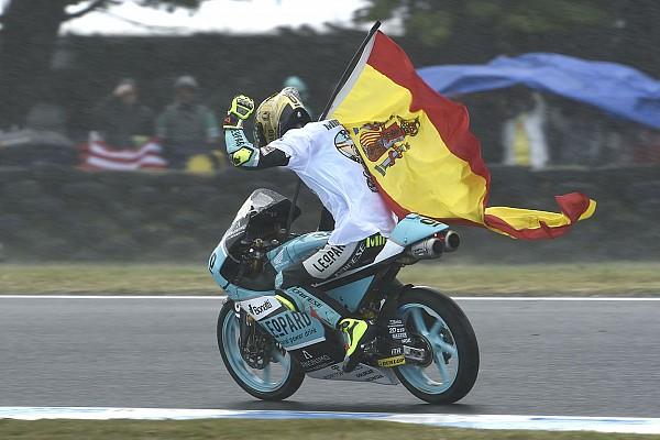 MotoGP stars hail