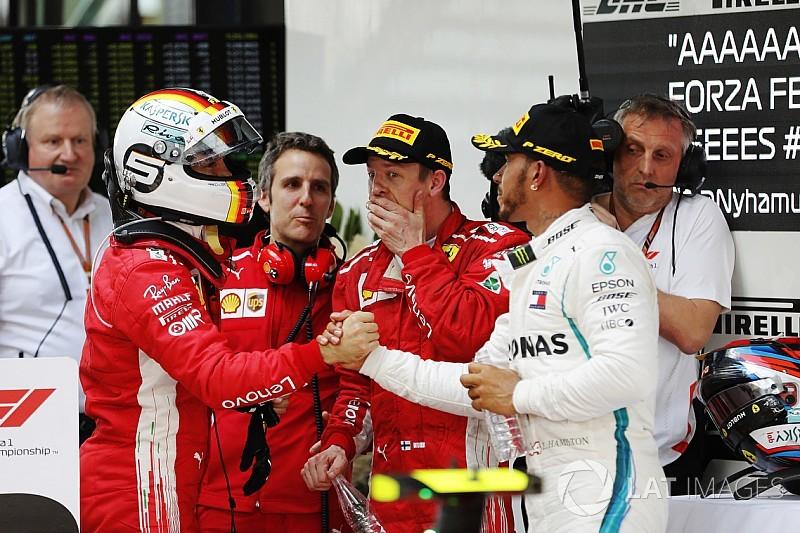 """Hamiltonsalue le """"meilleur travail"""" de Vettel et Ferrari"""