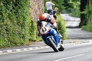 Isle of Man TT kembali telan korban, Van den Hoek meninggal dunia