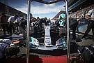 Kerek számok a Mercedes neve mellett Japán után