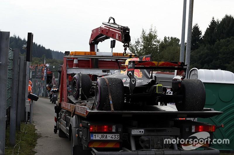 У Red Bull зажадали пояснень від Renault