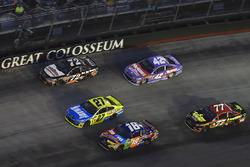 Kyle Busch, Joe Gibbs Racing Toyota, Erik Jones, Furniture Row Racing Toyota, Kyle Larson, Chip Ganassi Racing Chevrolet