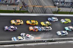 Trevor Bayne, Roush Fenway Racing Ford, Michael McDowell, Leavine Family Racing Chevrolet wreck