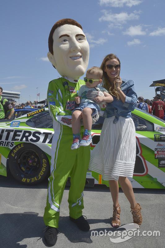 Samantha Busch, Ehefrau von Kyle Busch, mit Sohn Brexton