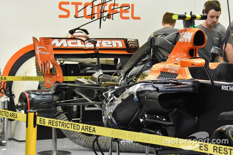 Detalle trasero del McLaren MCL32