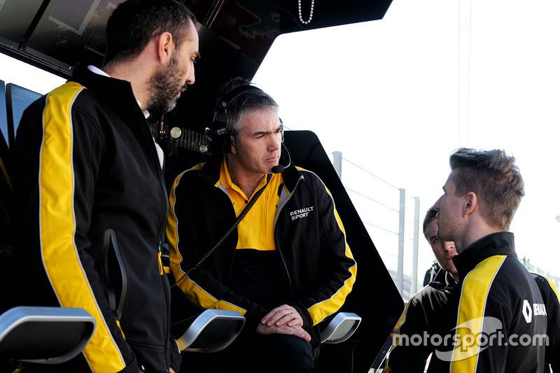 Cyril Abiteboul, Renault Sport F1 Managing Director with Nico Hulkenberg, Renault Sport F1 Team and Nick Chester, Renault Sport F1 Team Chassis Technical Director