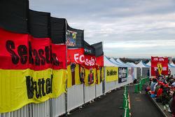 Bandiere dei fan per Sebastian Vettel, Ferrari