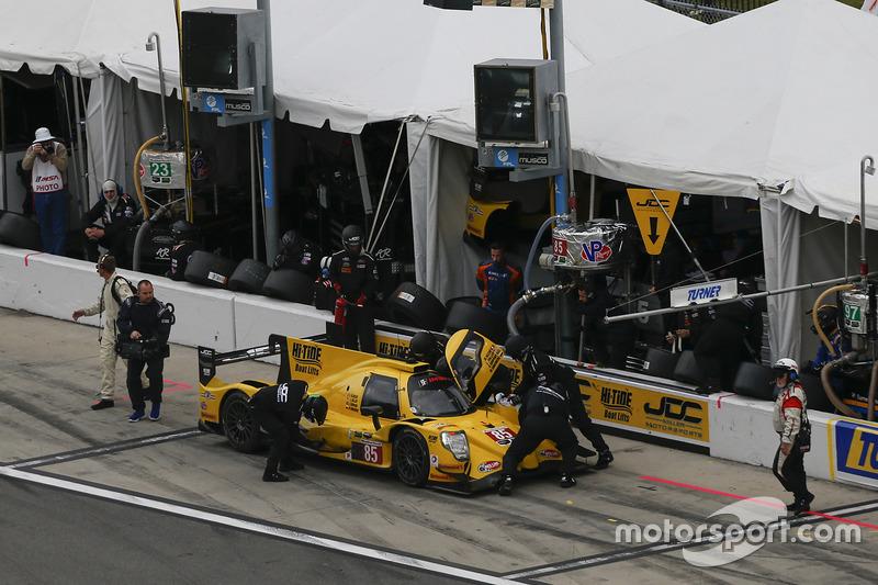 #85 JDC/Miller Motorsports ORECA 07: Mikhail Goikhberg, Chris Miller, Stephen Simpson, Mathias Beche, pit action