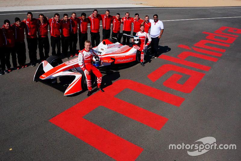 Gruppenfoto: Mahindra Racing