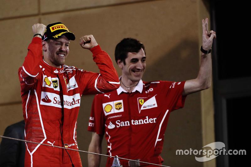 Podio: ganador Sebastian Vettel, Matteo Togninalli, ingeniero jefe de crrera, Ferrari, Ferrari