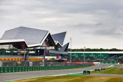 Dunkle Wolken über dem Silverstone Wing
