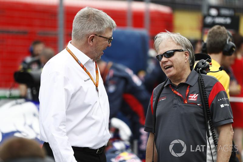Ross Brawn, Formel-1-Motorsportchef; Gene Haas, Haas-Teambesiter