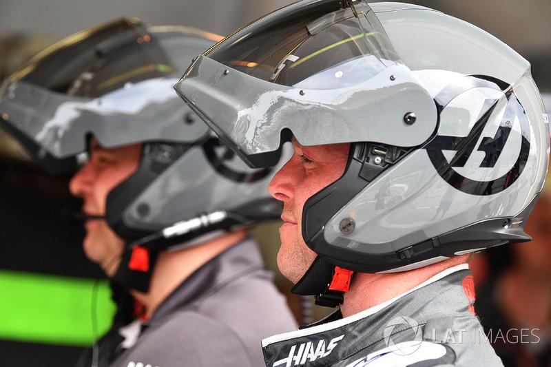 Les mécaniciens Haas F1