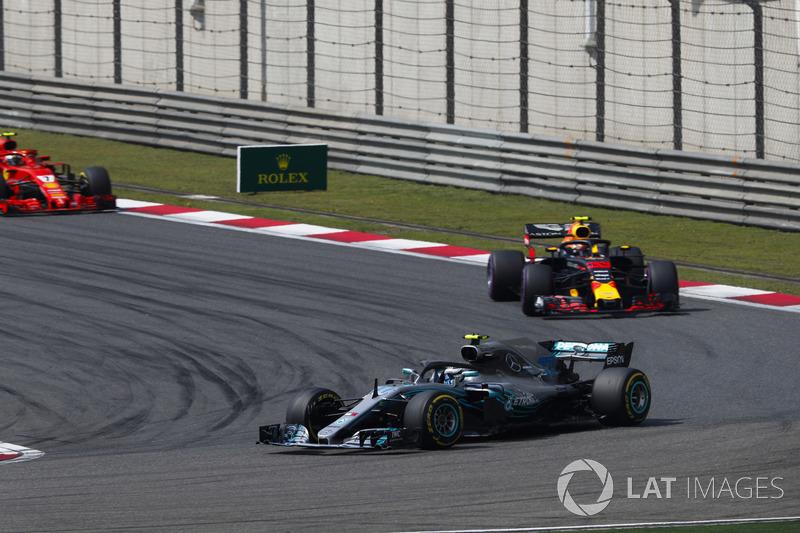 Валттері Боттас, Mercedes AMG F1 W09, Макс Ферстаппен, Red Bull Racing RB14 Tag Heuer