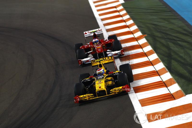 O primeiro piloto russo na F1 foi Vitaly Petrov. Então vice-campeão da GP2 no ano anterior, ele chegou à categoria pela Renault, ao lado de Robert Kubica.