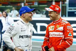 Polesitter Valtteri Bottas, Mercedes AMG F1, Sebastian Vettel, Ferrari