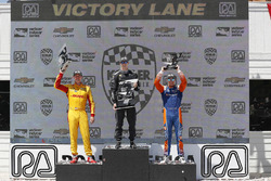 Podium: 1. Josef Newgarden, 2. Ryan Hunter-Reay, 3. Scott Dixon