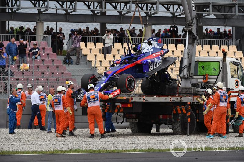 No TL3, Brendon Hartley bateu forte na curva 9 e isso foi o que sobrou de sua Toro Rosso.
