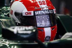 Jarno Trulli con diseño especial de casco rinde homenaje a Marco Simoncelli