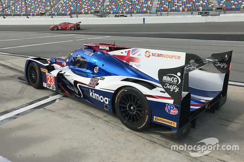 Fernando Alonso, United Autosports sale de pits