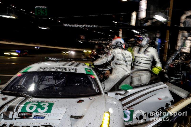 #63 Scuderia Corsa Ferrari 488 GT3, GTD: Купер Макніл, Тоні Віландер, Джефф Вест фол, Домінік Фарнбахер